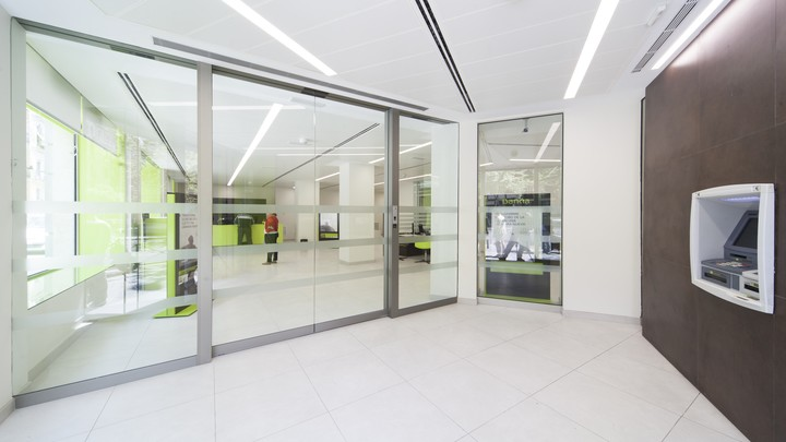 image of Philips UV-C luminaires for Banking